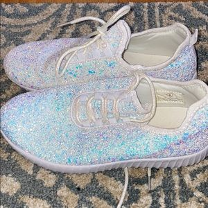 White glitter sneakers size 8
